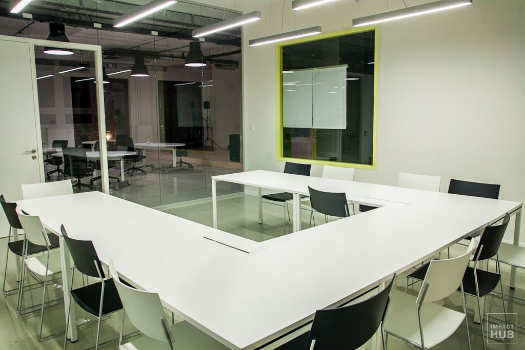 coworking Impact Hub Bratislava, White meeting room